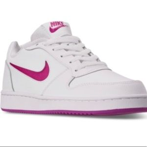 Nike Ebernon Low Sneaker- size 8- New With Box